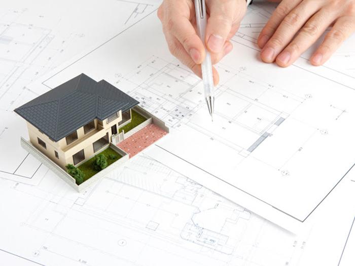 戸建の模型と設計図
